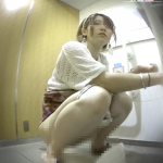 大あり(和式斜め前&下アングル) 美人さんを観察02