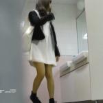 【美しい日本の未来】新学期!!下半身中心に攻めてます美●女可愛い女●悪戯盗撮トイレ